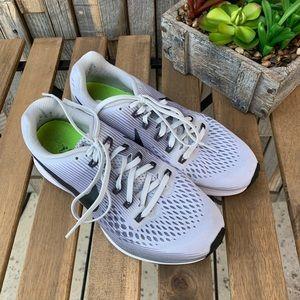 Nike Women's Air Zoom Pegasus 34. Sz 8.5. S1014